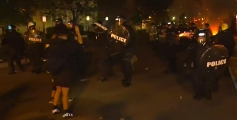 Поредица от непредизвикани атаки на полицаи срещу репортери и оператори
