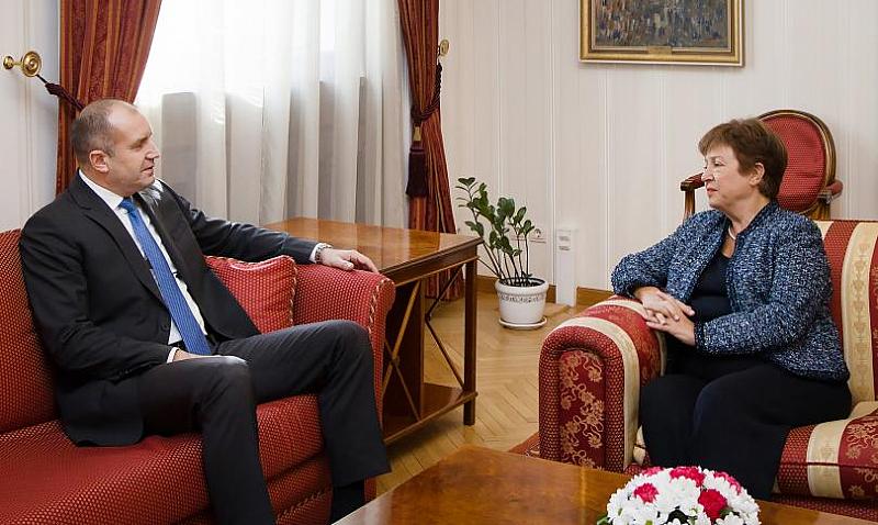 """Президентът Румен Радев се срещна днес на """"Дондуков"""" 2 с"""