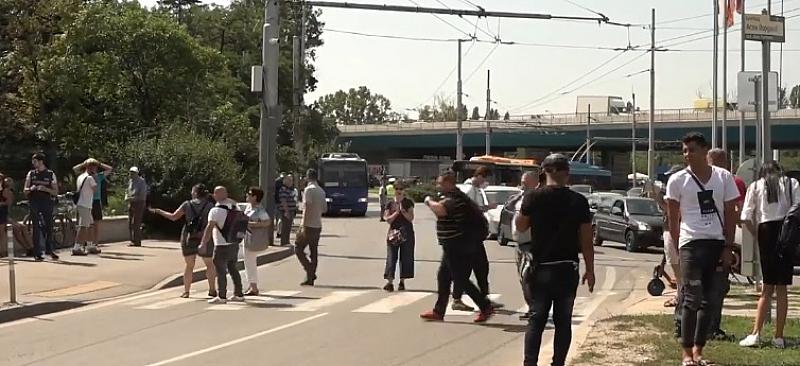 """Протестиращи блокираха пътя към """"София Тех Парк`, където ще се"""