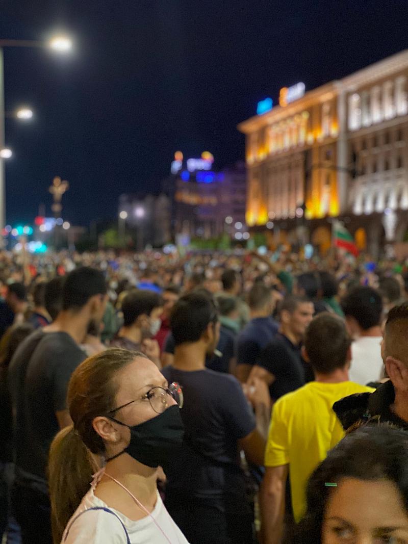 Свидетели сме на масови протести в цялата страна срещу настоящото