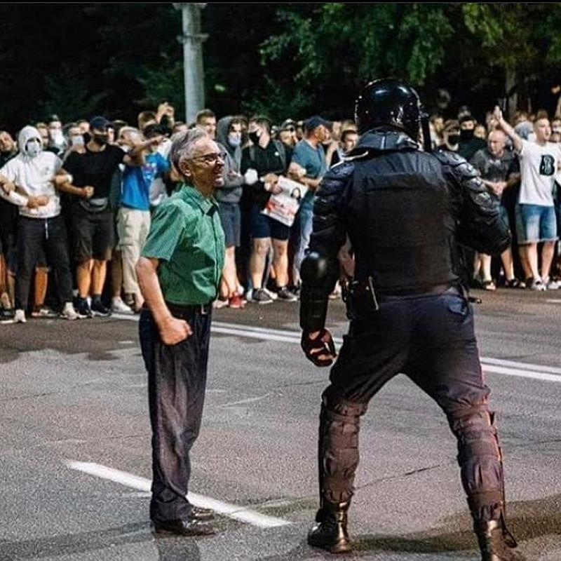 Продължава да се задълбочава кризата в Беларус. Гражданските протести срещу