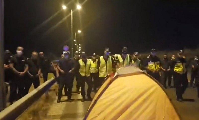 """""""На блокадата на ГКПП Капитан Андреево жандармерията иска лични карти!"""