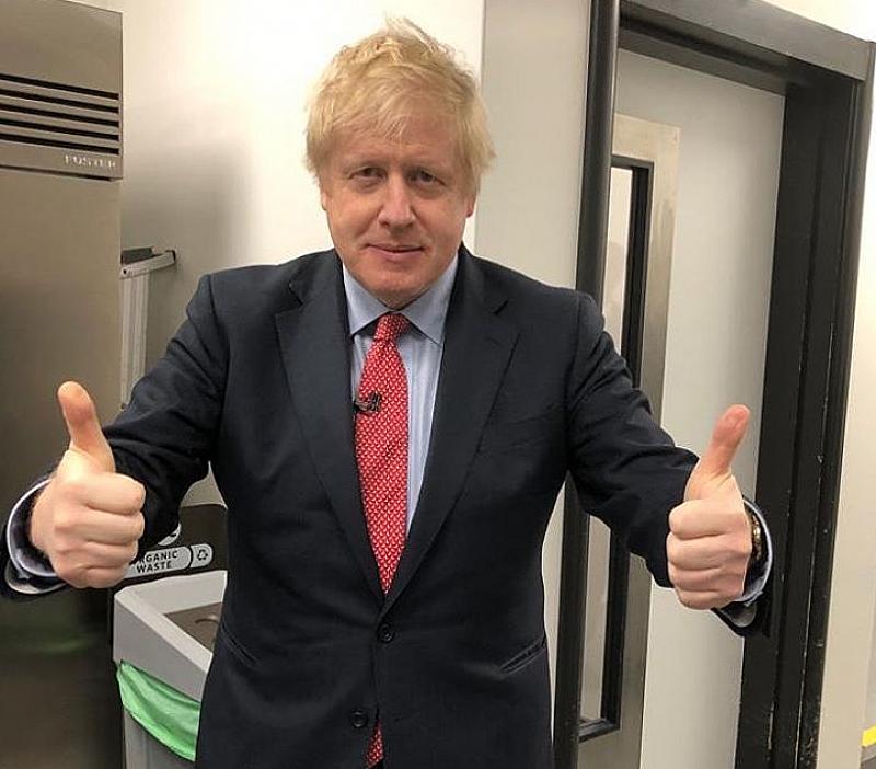 Британският премиер Борис Джонсън, чието състояние се подобрява в последните