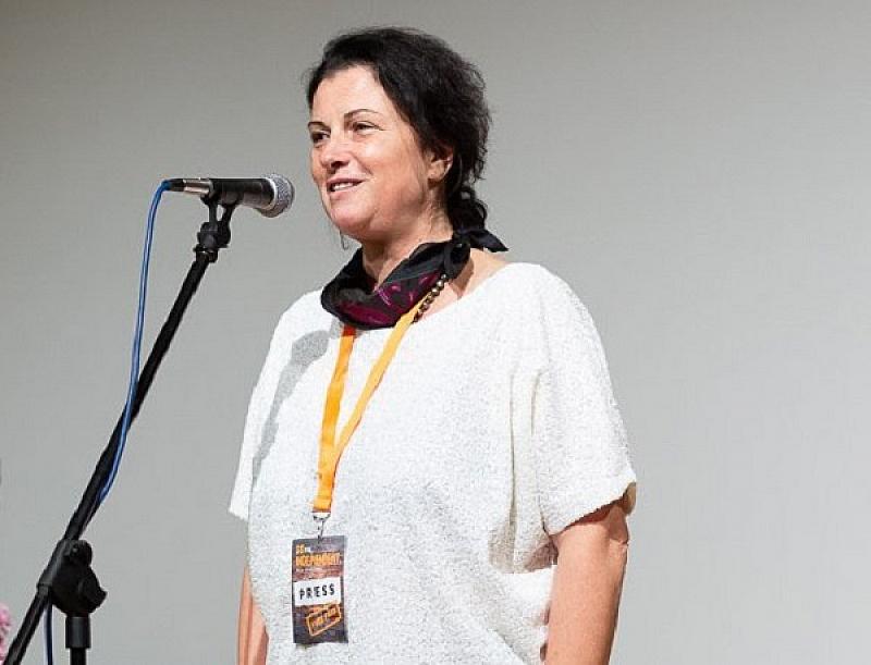 Пред Българската национална телевизия Караиванова посочи, че е била повикана