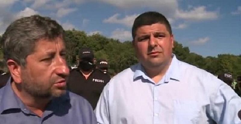 Заради осуетеният протест - демонстрантите да се преместят пред общината