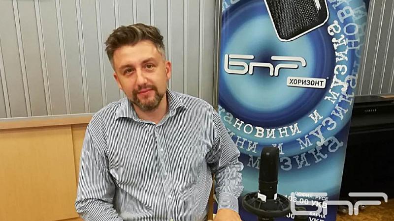Пред Българското национално радио Киряков посочи, че формациите са принудени