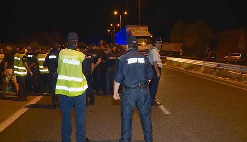 """Вдигнаха блокадата на АМ """"Марица"""". Късно снощи протестиращите, спрели движението"""