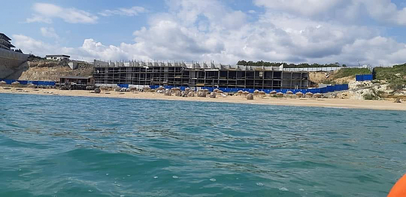 Скандален строеж на българското черноморие достигна четвърти етаж. Градежтъ, който