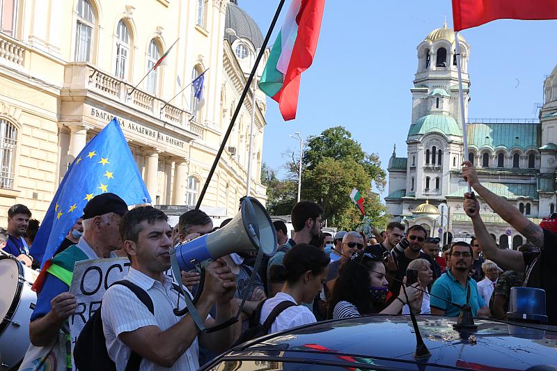 ГЕРБ (преди дни): Без парламент държавата ще се счупи. ГЕРБ