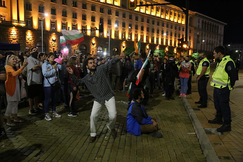 Блокадите на антиправителствения протест в столицата бяха върнати в събота