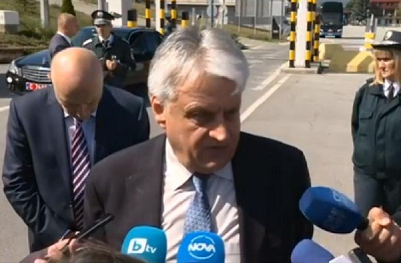 Пред журналисти Рашков посочи, че държавното обвинение не позволява да