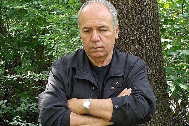 Известният български писател и сценарист Александър Томов е починал на