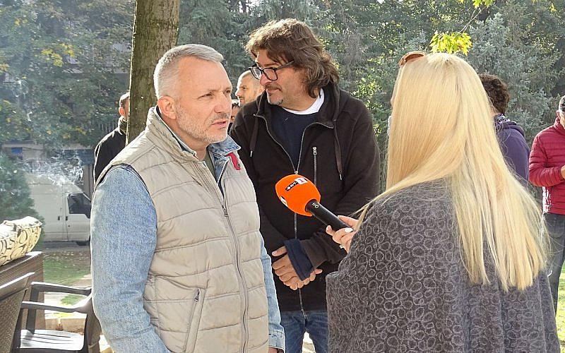 """Антиправителствен протест се състоя тази сутрин в Благоевград. Скандирания """"Оставка"""""""