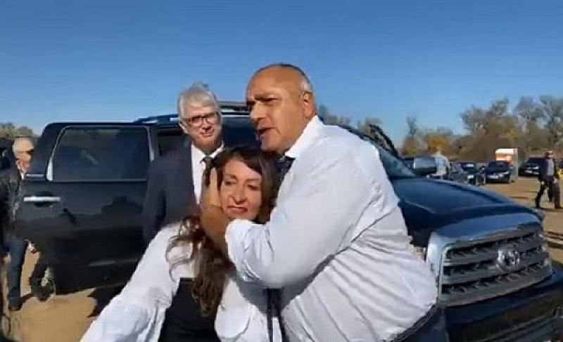 Автомобилът на Борисов бе прихванат пред американското посолство в деня,