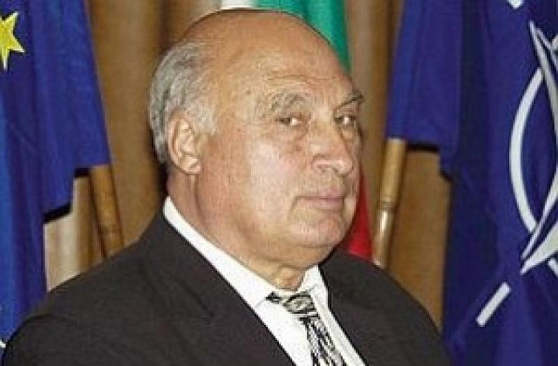 Кирил Рашков, известен като Цар Киро, е получил инфаркт, съобщава