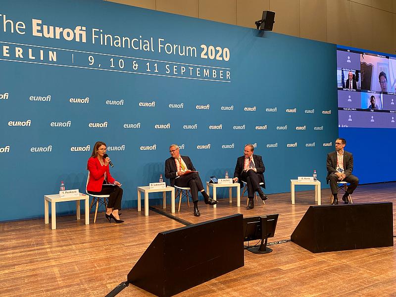 Политическият сезон в Берлин бе открит тази седмица с престижното