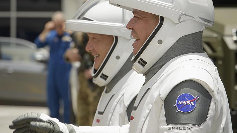 Светът ще гледа тази вечер към космоса. Втори опит за