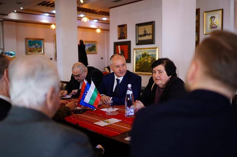 """""""Постигнахме исторически пробив с признаването на българското малцинство в Албания."""