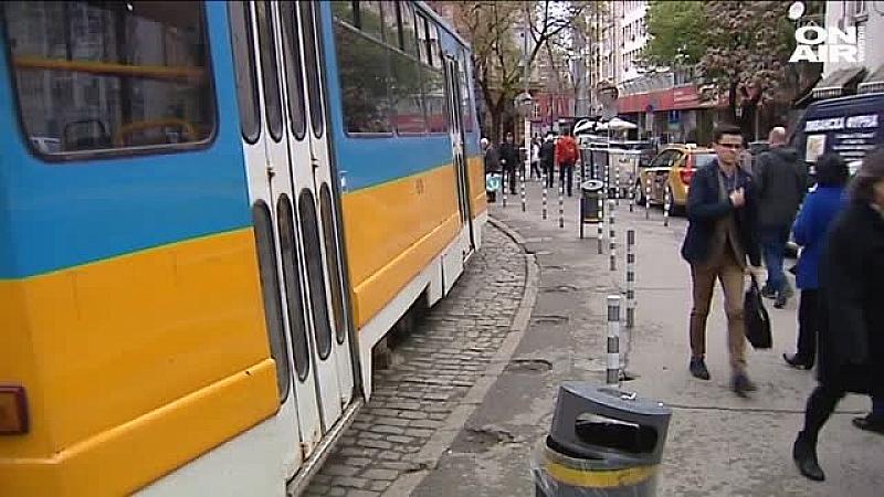 Трамвай блъсна жена в близост до Съдебната палата, предаде БГНЕС.Жената