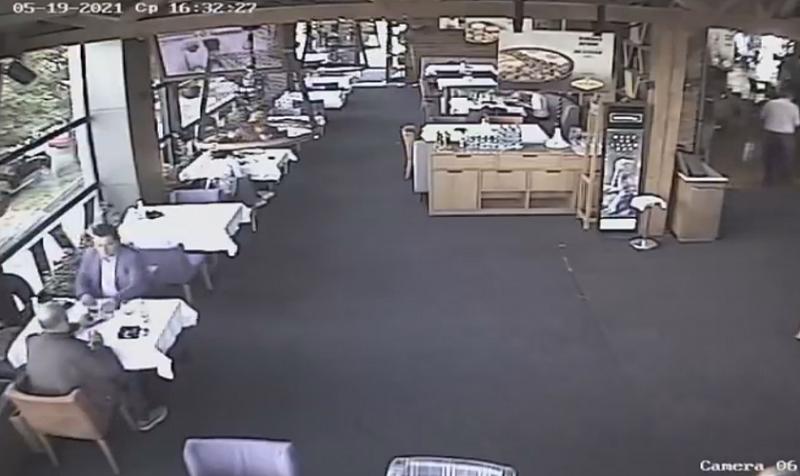 Бившият шеф на митниците изпрати видеозаписи от камерите в магазина,