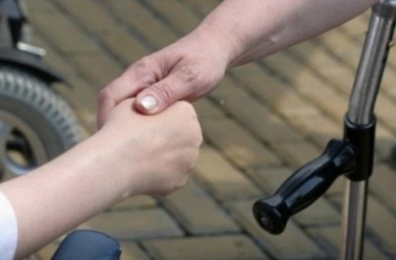 Грижата за човек с под 90% увреждане и право на