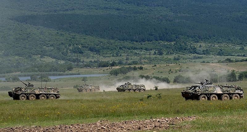 Две фирми надвишават цената за бойна машина на армията
