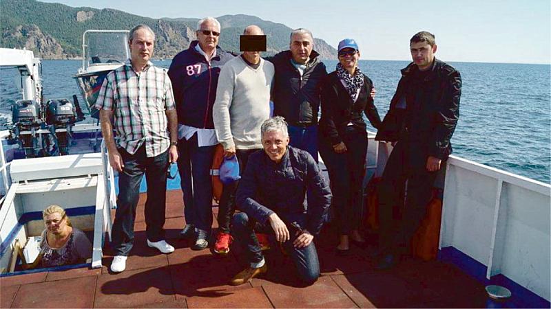 Швейцарски прокурори летели до Русия на лов за мечки и