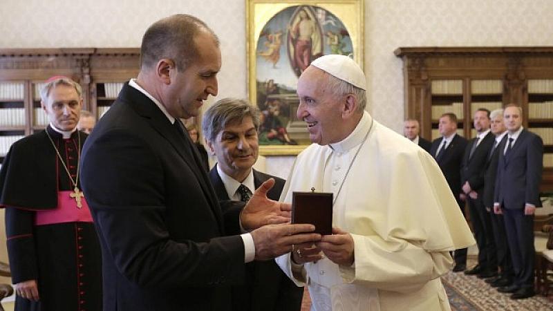 Аудиенцията при негово светейшество папа Франциск премина при строги противоепидемични