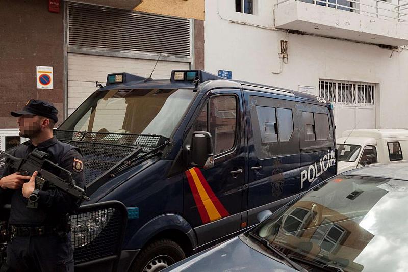 Националната полиция на Испания потвърди за 7 задържани мъже, обвинени
