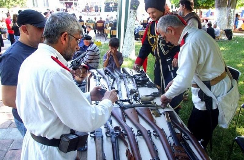 """МВР иззе оръжията на Националното дружество """"Традиция"""". За това съобщиха"""