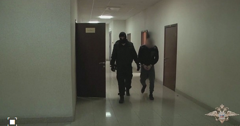 Руските власти съобщиха днес, че са арестували мъж, заподозрян в