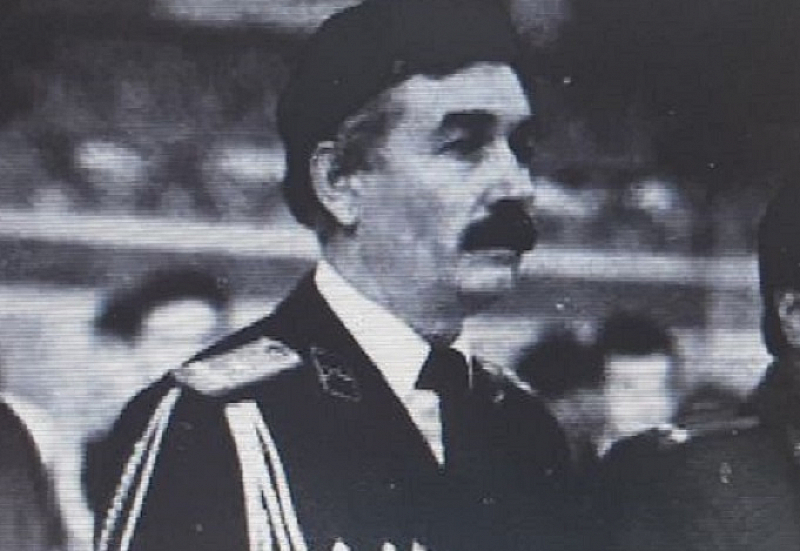 Любомир Михайлов бе един от основателите и говорител на първата