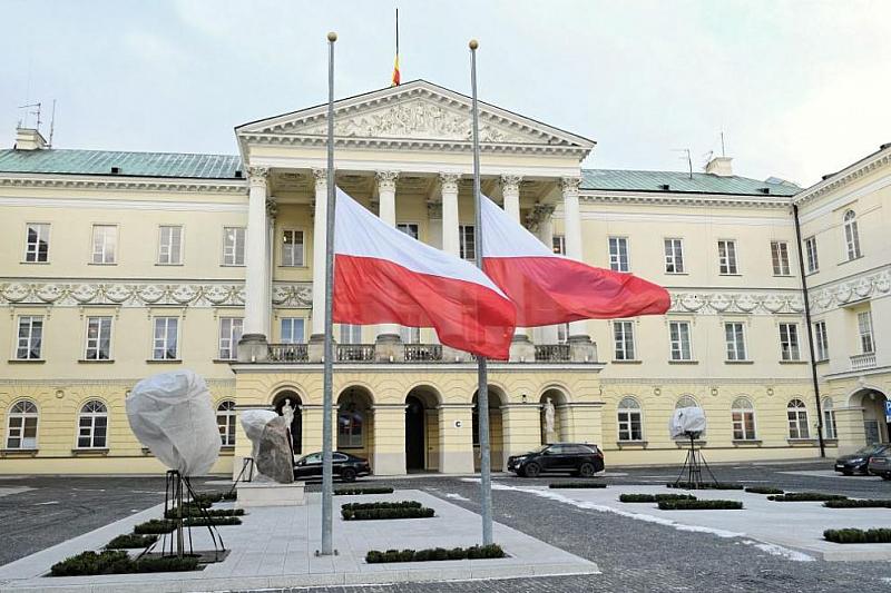 Снимка: Полша: ЕС да премахне данъчните убежища, губят се милиарди