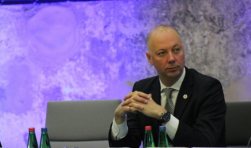 """Снимка: Росен Желязков обещава 5G мрежи и """"умни градове"""" от догодина"""