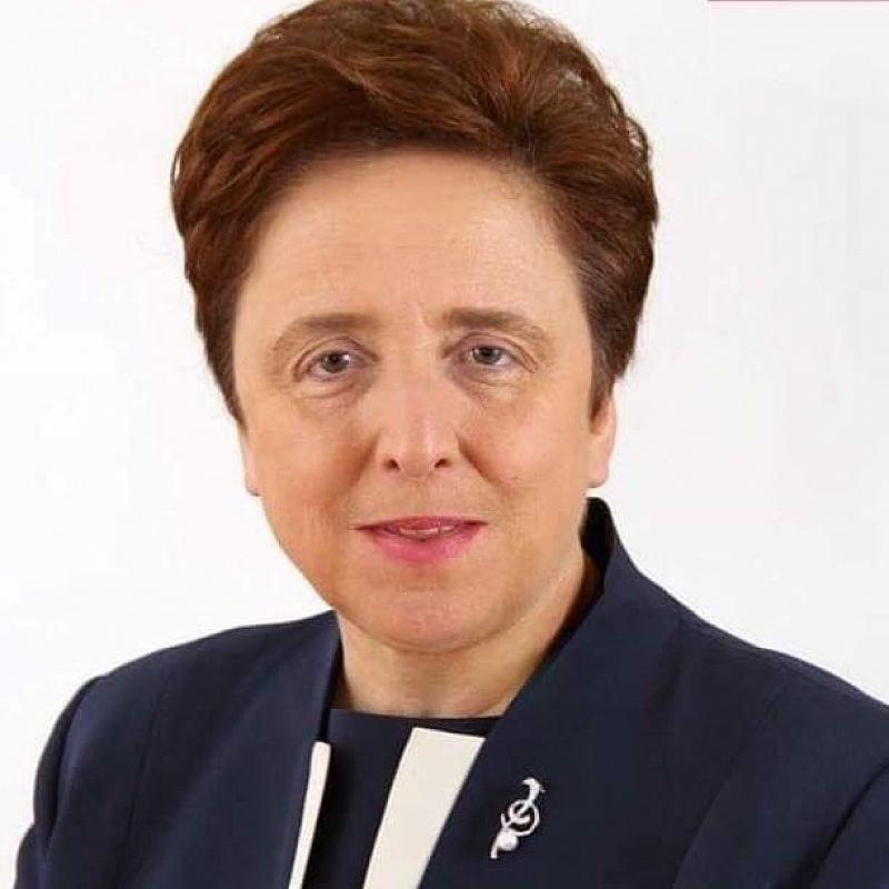 Тя добави, че Обединението е приело да организира политически инициативи