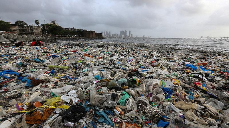 """Както отбелязват от ЮНЕП, """"делът на пластмасата в морските отпадъци"""