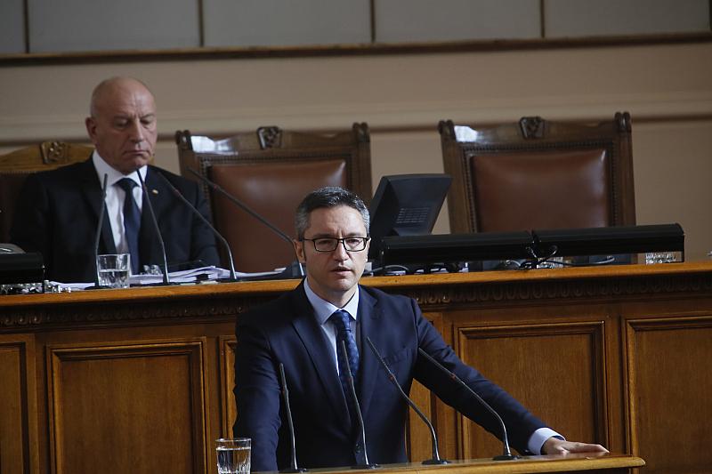 БСП подкрепя декларацията на НС за Северна Македония, но държим
