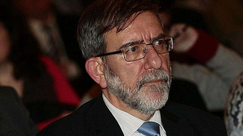 Филип Димитров смята, че ходенето и жалването по посолства е
