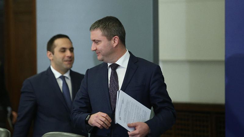 Борисов разпореди уволнението на шефа на ББР Стоян Мавродиев и