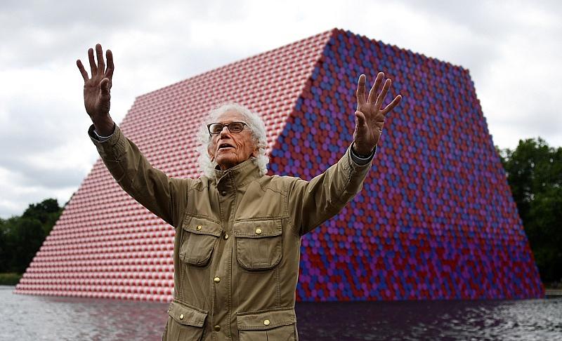 Световно известният художник Христо Явашев – Кристо, е починал в