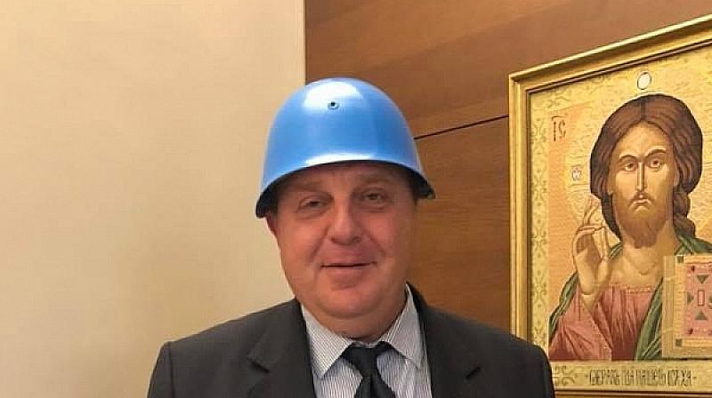 Решението е окончателно, но смелият Каракачанов, известен още като агент