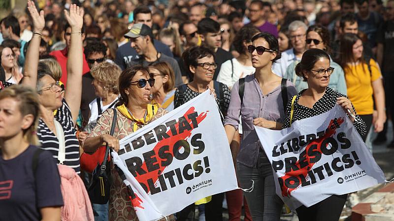 В момента обстановката в Каталуния е спокойна, но блокадата от