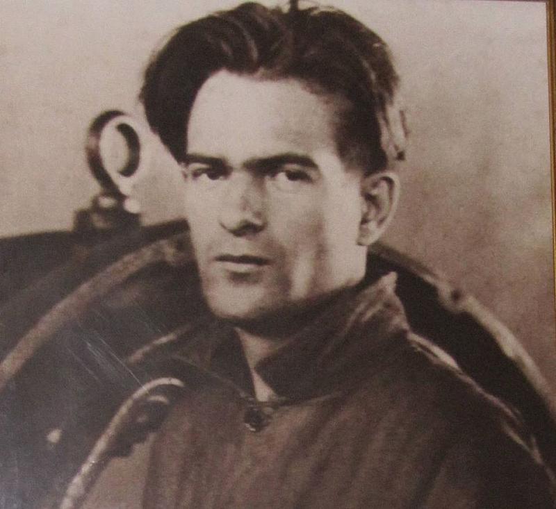 Поезията на Вапцаров е призната след смъртта му и е