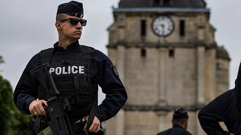 Днес германската полиция обискира три апартамента в западногерманския град Офенбах