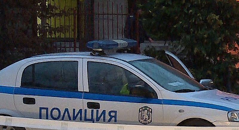 Късно във вторник вечерта полицията задържа досегашния кмет на града