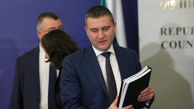 Без да иска, финансовият министър Владислав Горанов разконспирира формулата на