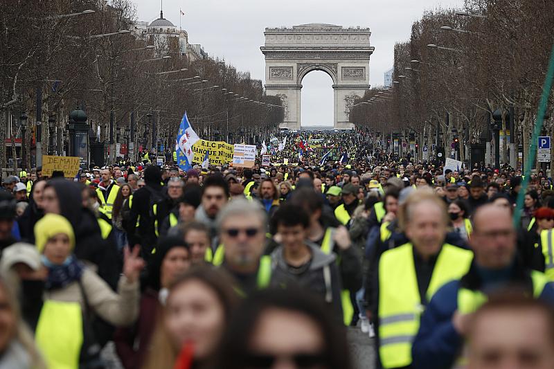 """Протестните акции на движението """"Жълти жилетки"""" са нанесли сериозни щети"""