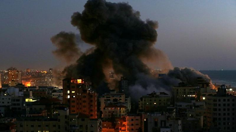 Загинали са най-малко 35 цивилни. Часове по-рано израелската армия разруши