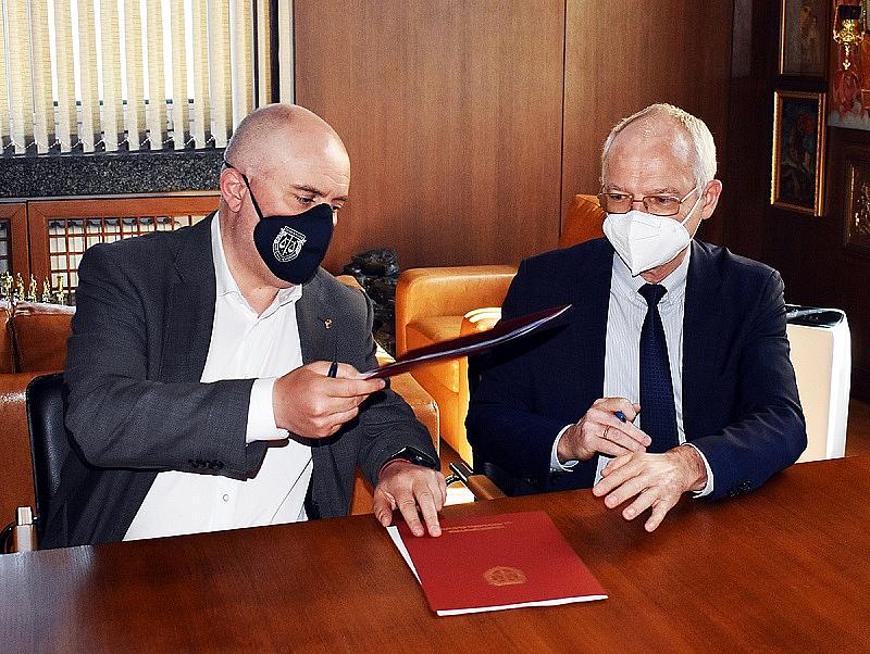 Според подписаното прокуратурата и АИКБ са се договорили да си