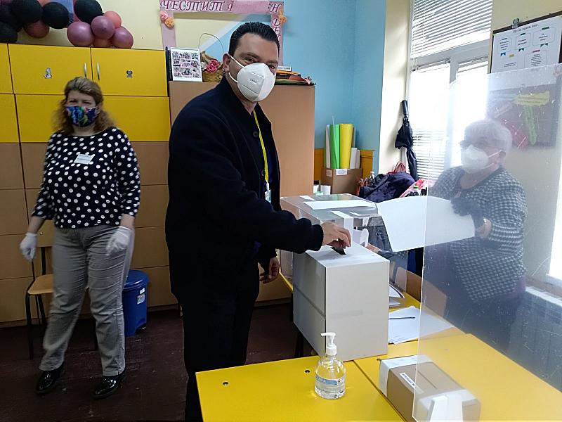 Гласувах за промяна, защото е крайно време България да поеме